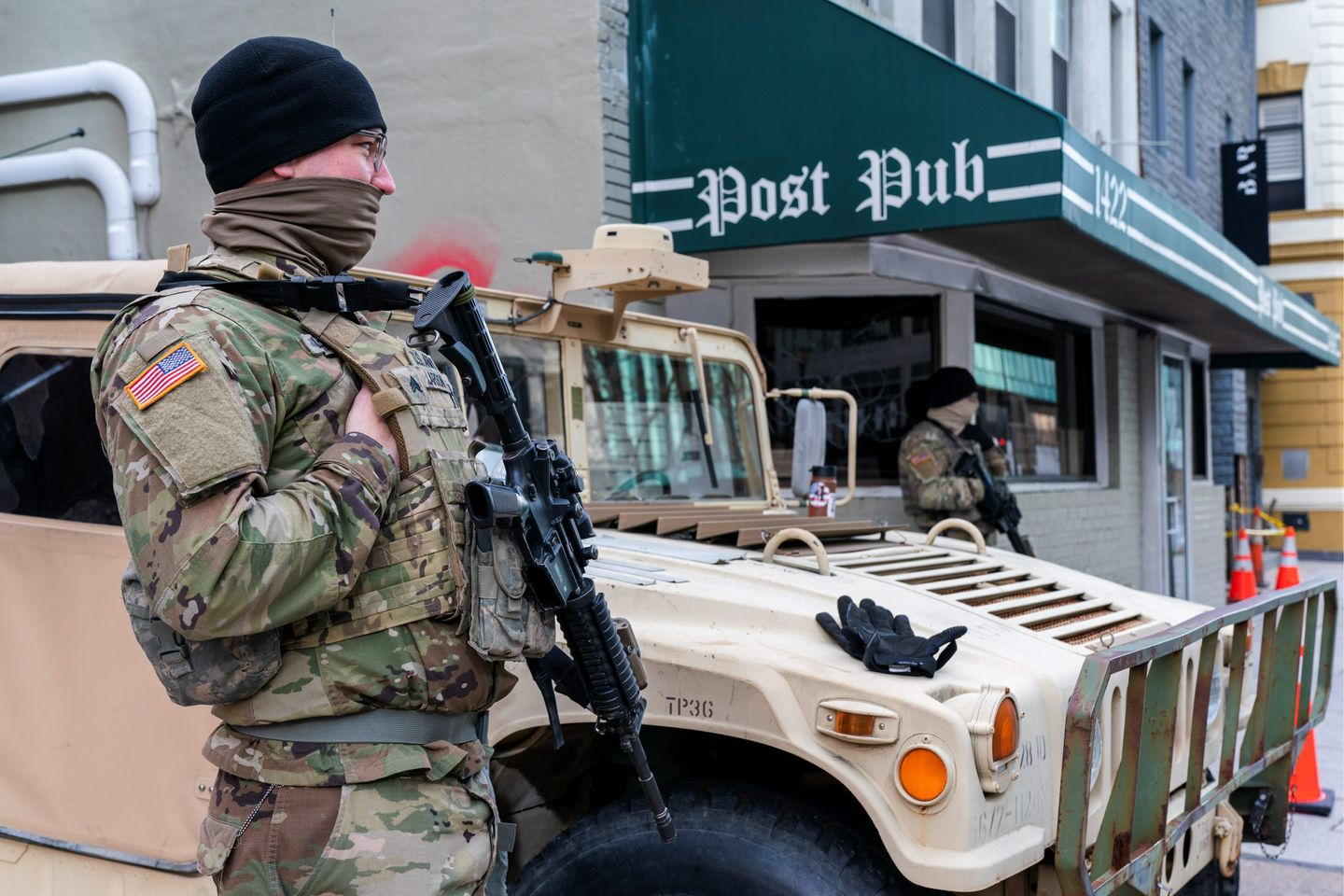 D.C. restaurants dish out food for National Guard