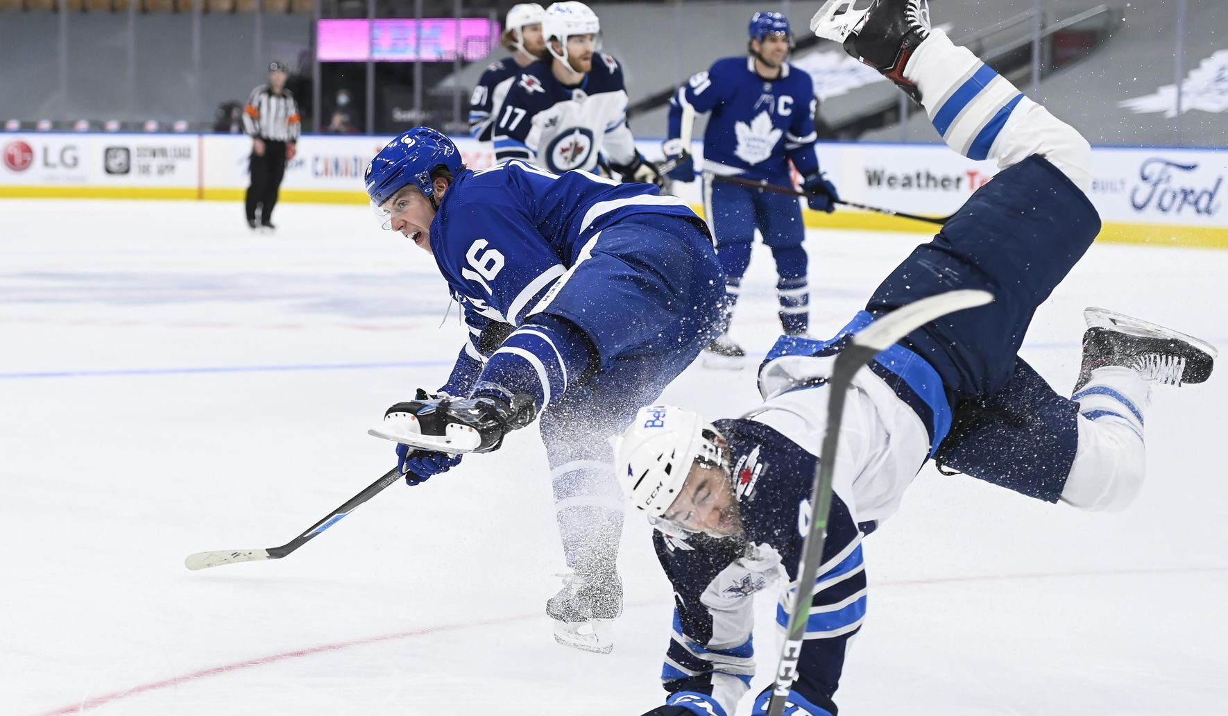 Jets_maple_leafs_hockey_89762_c0-327-4200-2775_s1770x1032