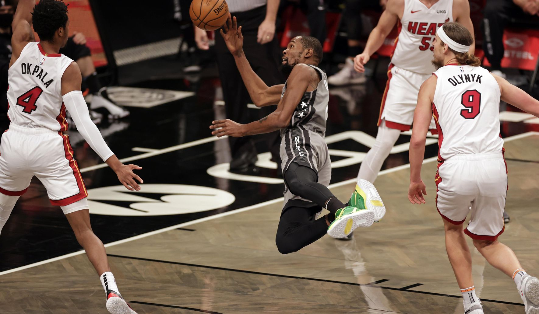 Heat_nets_basketball_94456_c0-212-5076-3171_s1770x1032