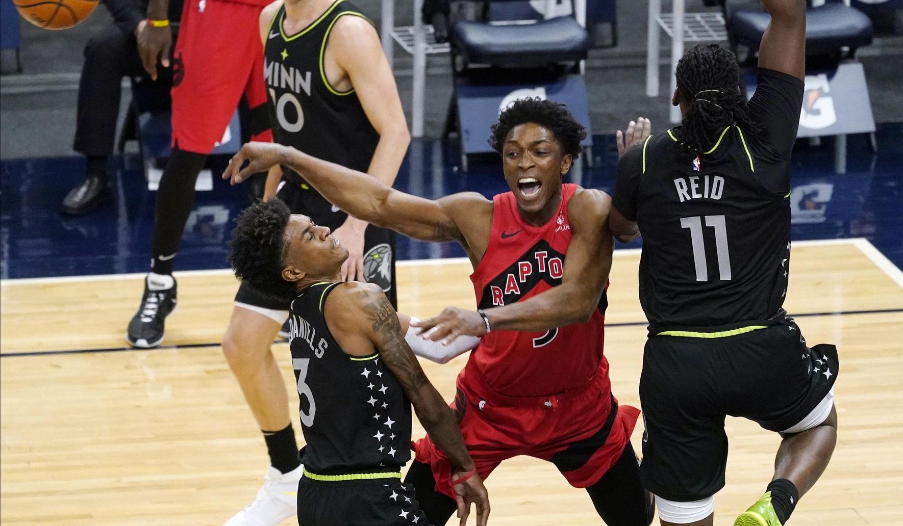 Raptors_timberwolves_basketball_16889_c0-170-4049-2530_s1770x1032