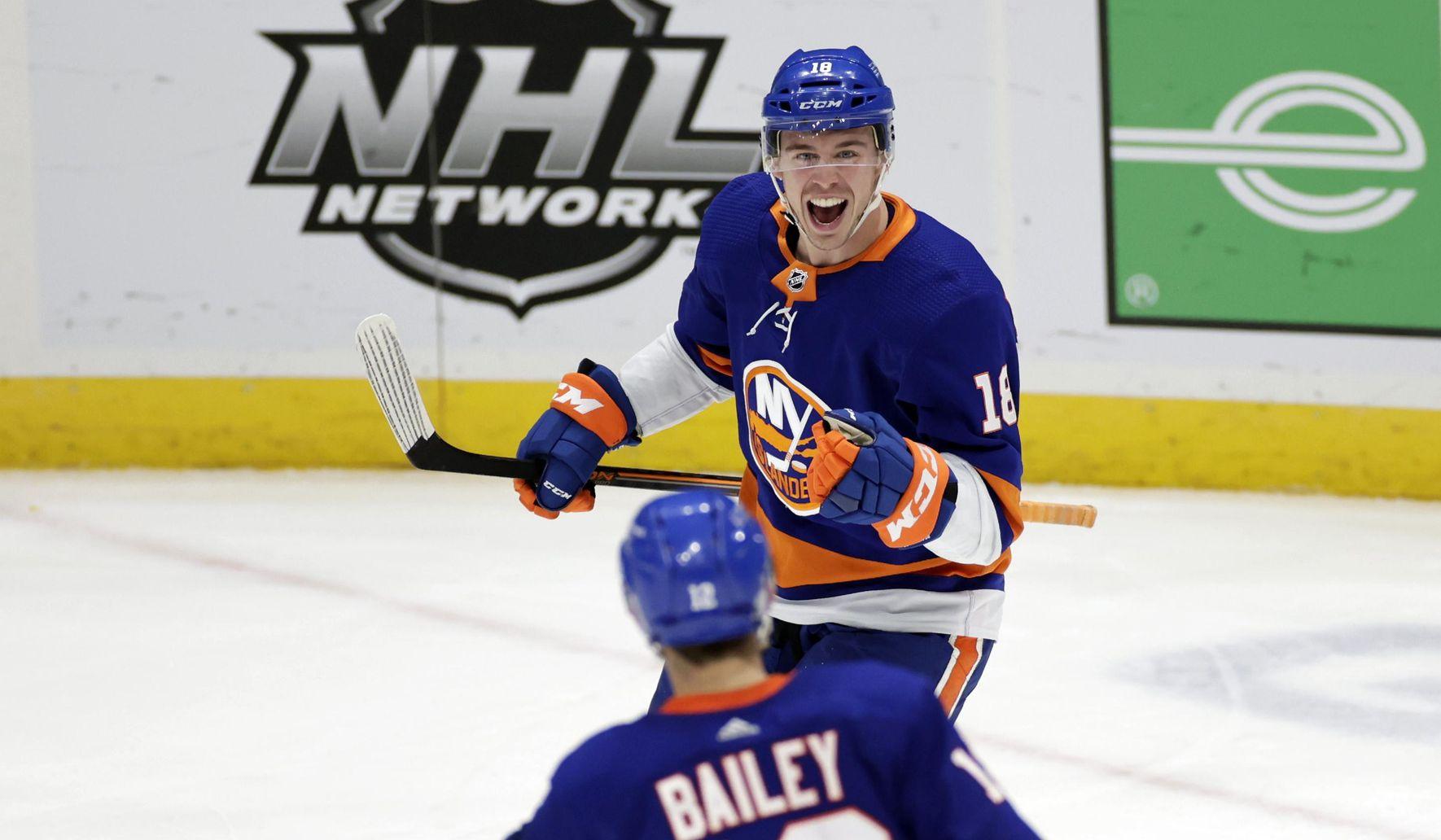 Bruins_islanders_hockey_11839_c0-121-2892-1807_s1770x1032