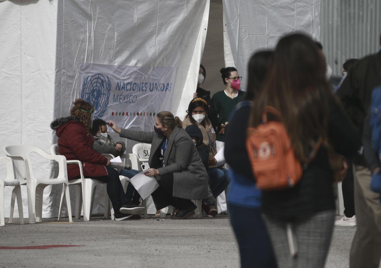 , [:en]Processing of asylum seekers expands at US-Mexico border[:], Laban Juan