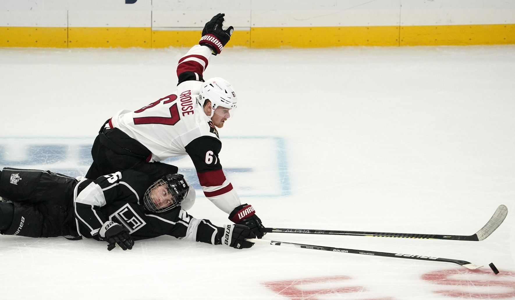 Coyotes_kings_hockey_73626_c0-256-5493-3458_s1770x1032