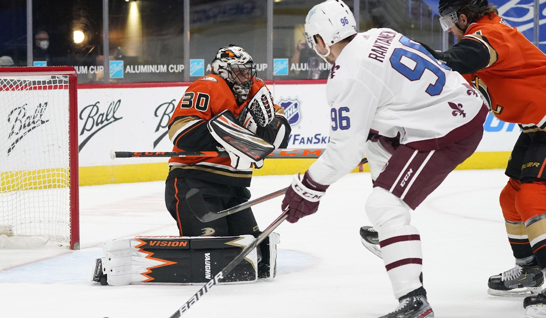 Ducks_avalanche_hockey_61102_c0-241-4395-2803_s1770x1032