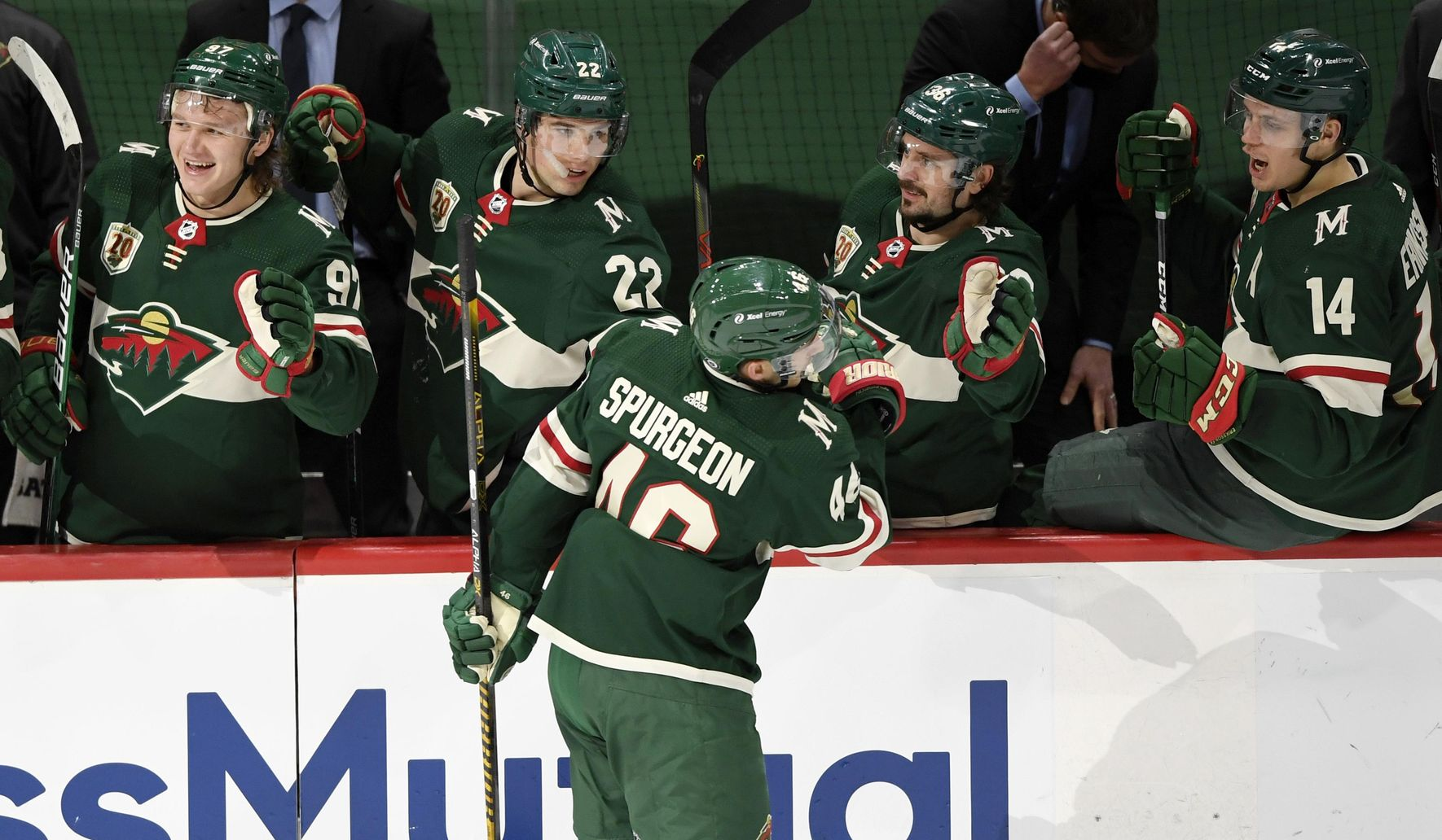 Spurgeon scores 2, Wild beat Ducks 3-2 for 10th home win