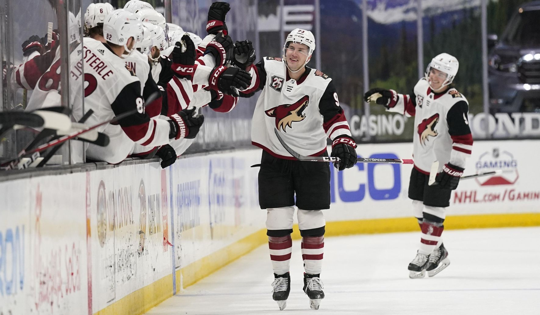 Kessel, Pederson rally Coyotes to 4-2 victory over Ducks