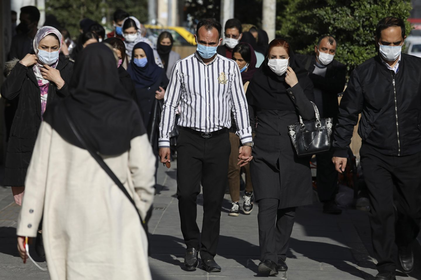 Iran sets new record for virus infections amid holiday surge