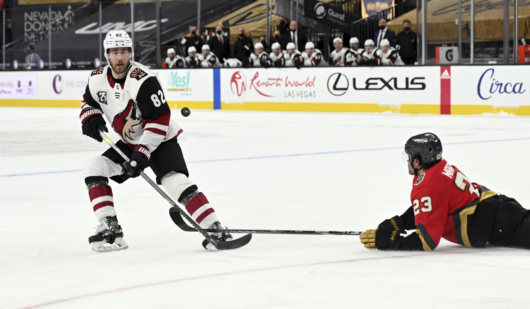 Smith scores 2 as Golden Knights beat Coyotes 7-4