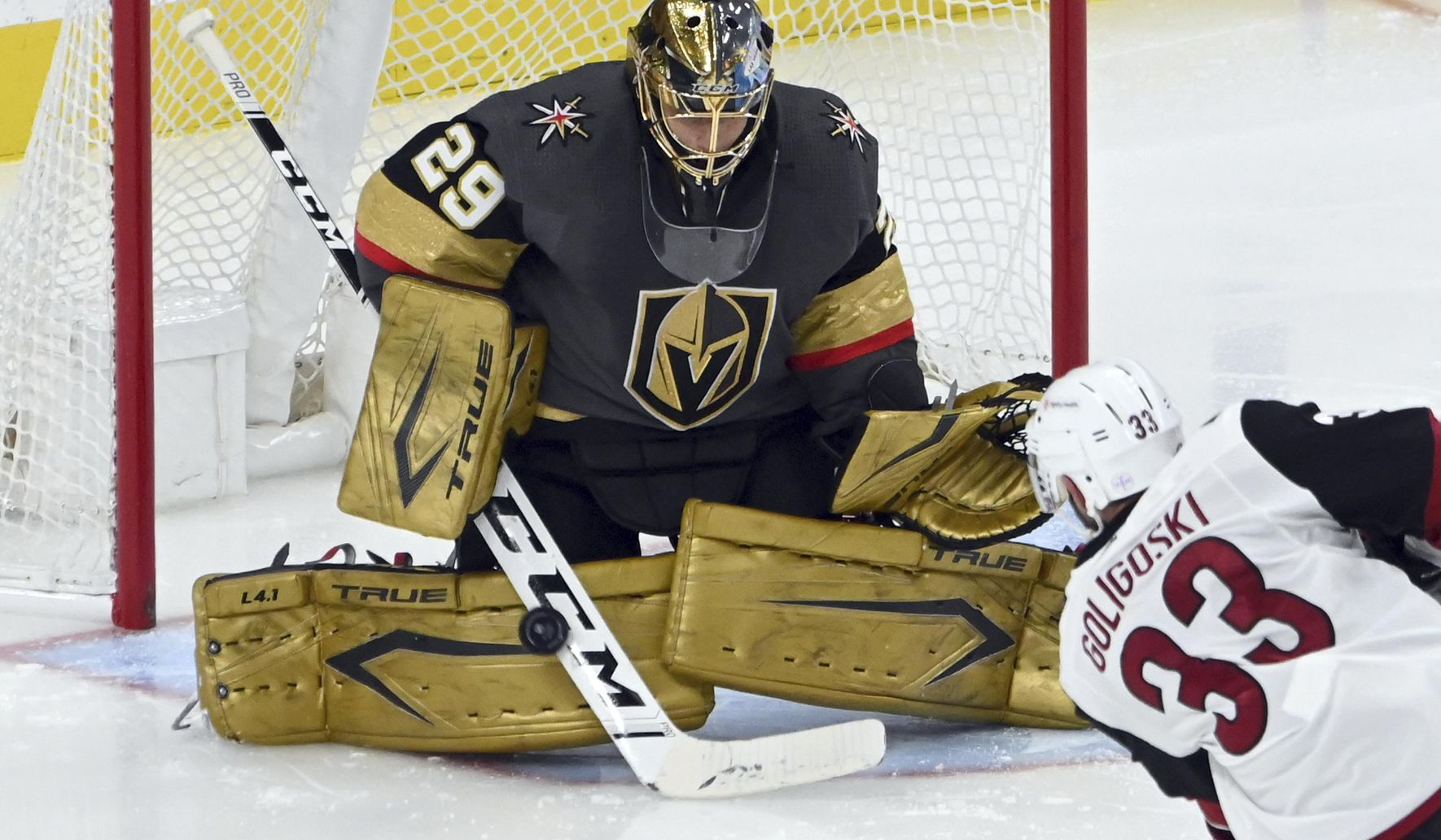 Knights' Fleury ties Belfour for 4th on NHL wins list