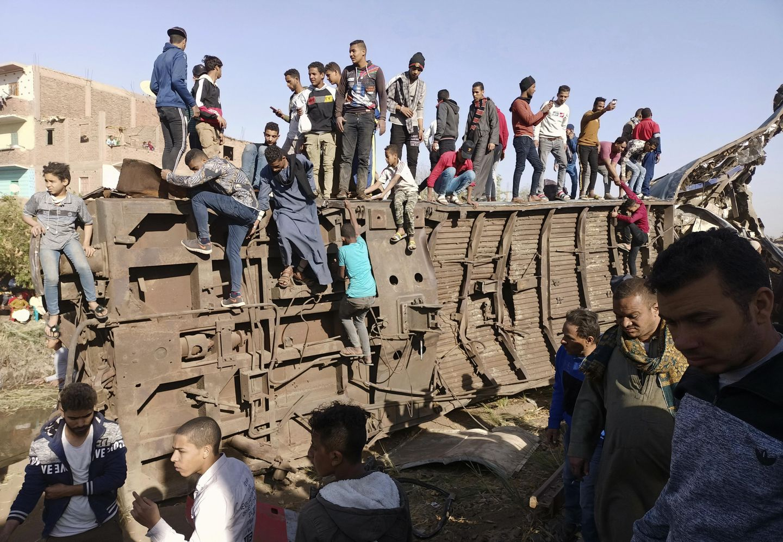 Egypt prosecutors find gross negligence behind train crash