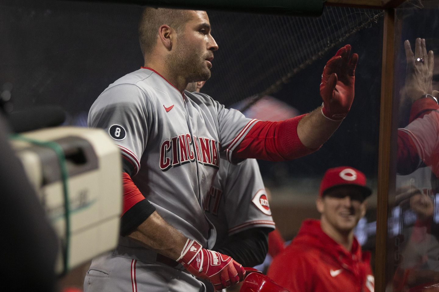 Joey Votto, Jesse Winker homer as Reds beat Giants 3-0