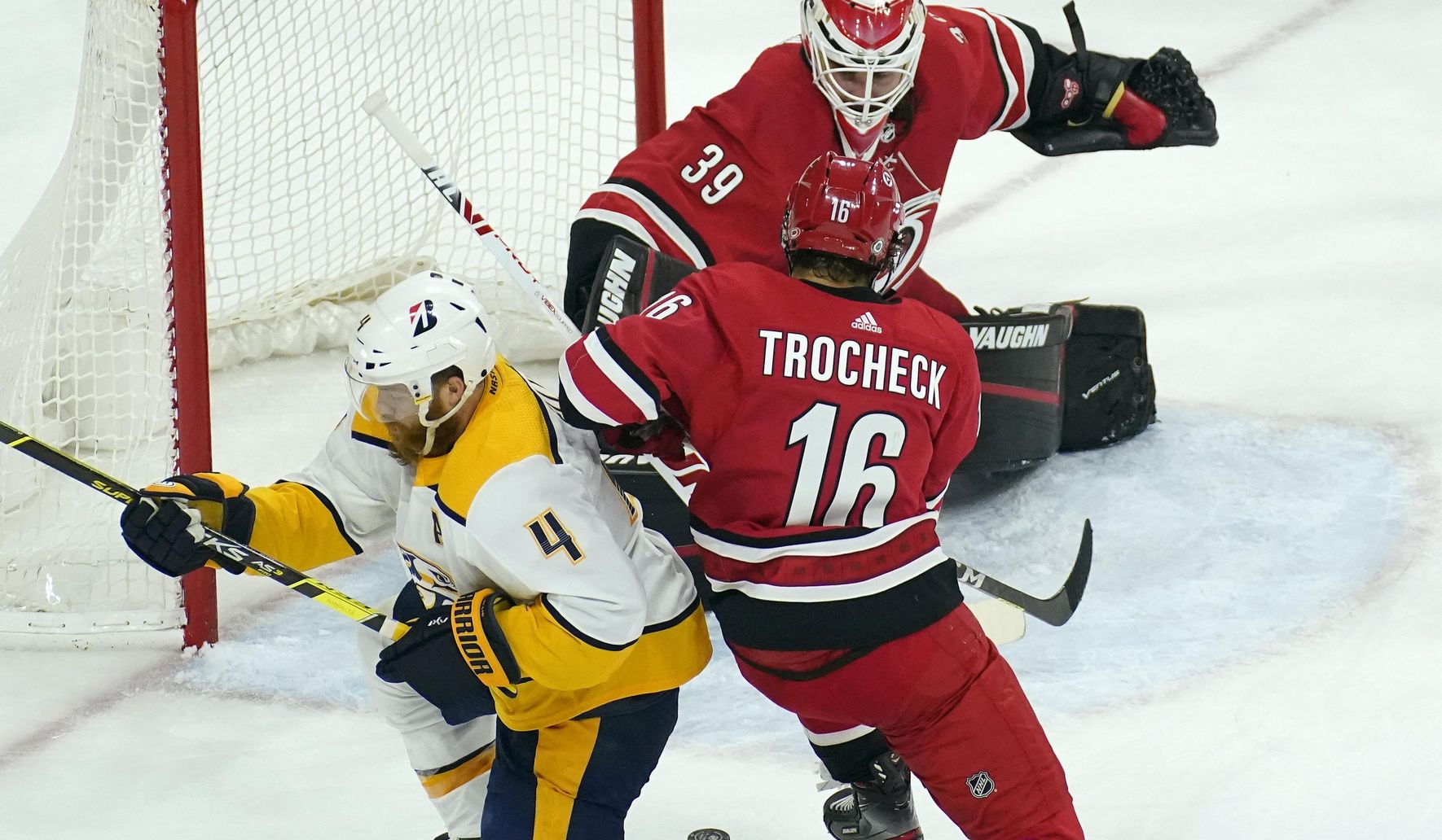 Predators_hurricanes_hockey_27754_c0-147-3528-2204_s1770x1032