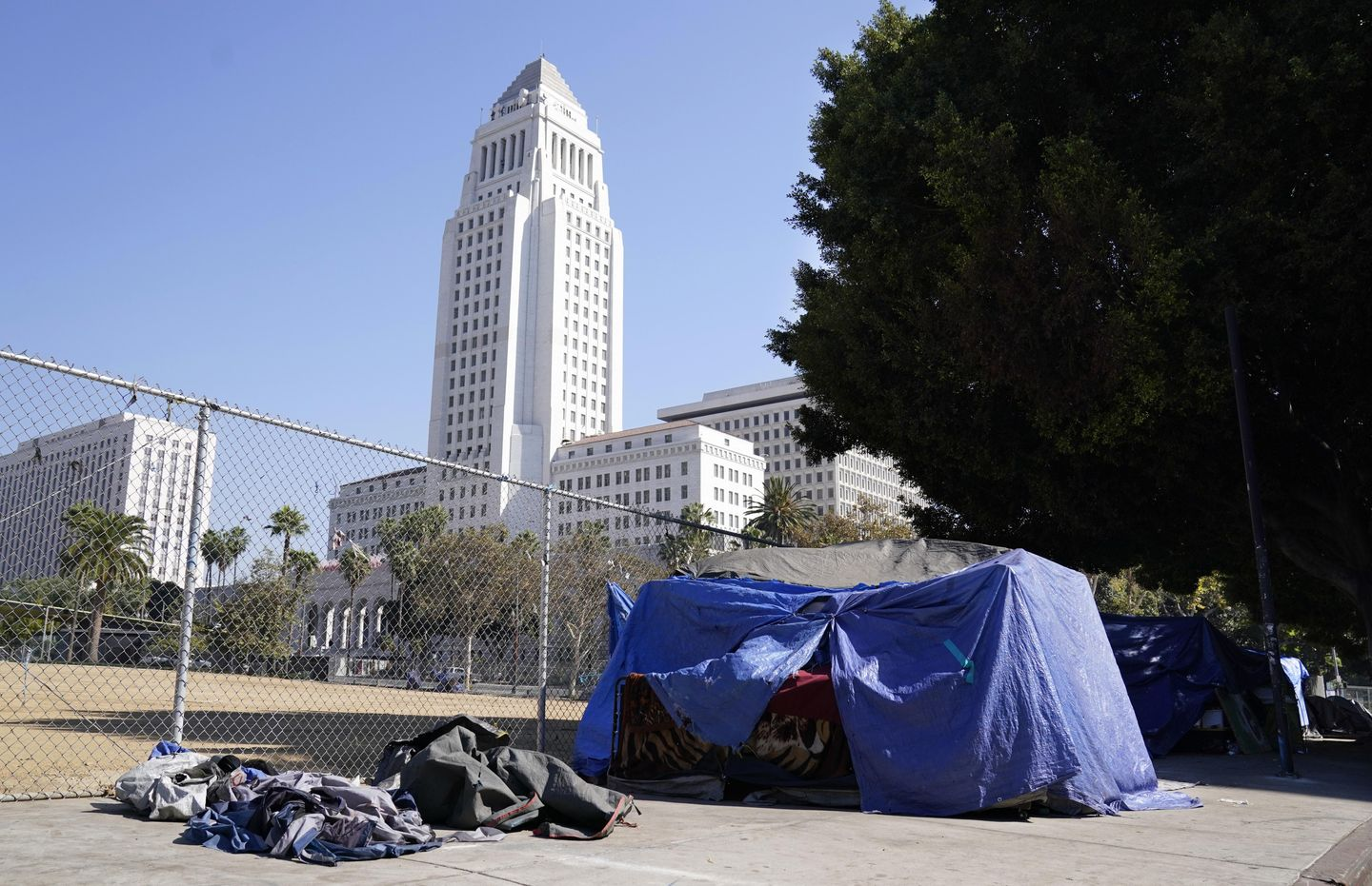 LA homeless spending could near $1B as crisis rages