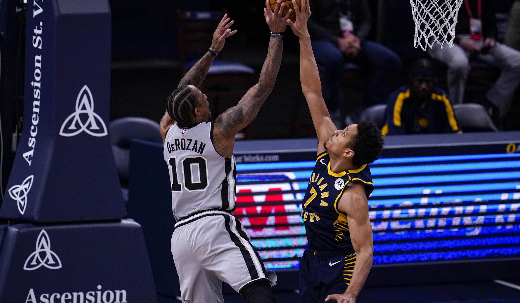 Spurs_pacers_basketball_72577_c0-237-5660-3537_s1770x1032