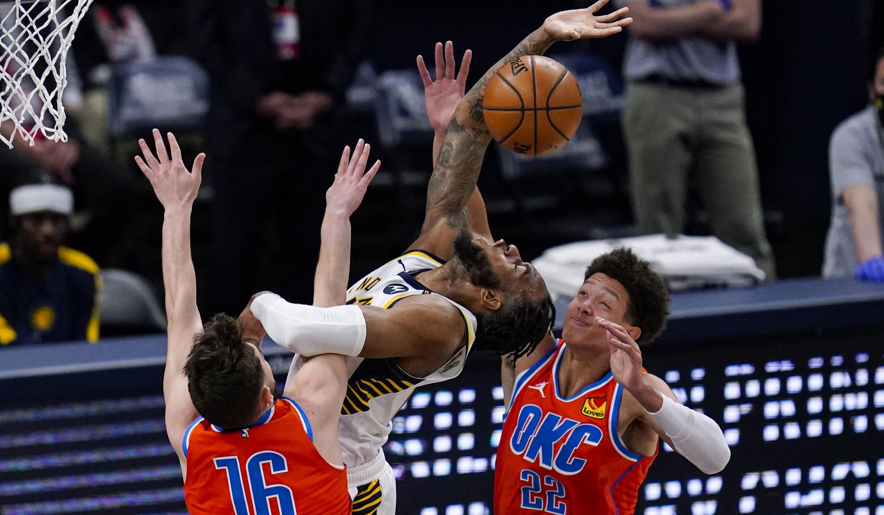Thunder_pacers_basketball_71342_c0-125-2985-1865_s1770x1032