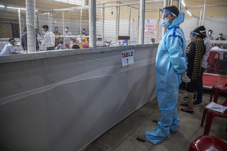 Devastating virus surge spreads impact into India's politics