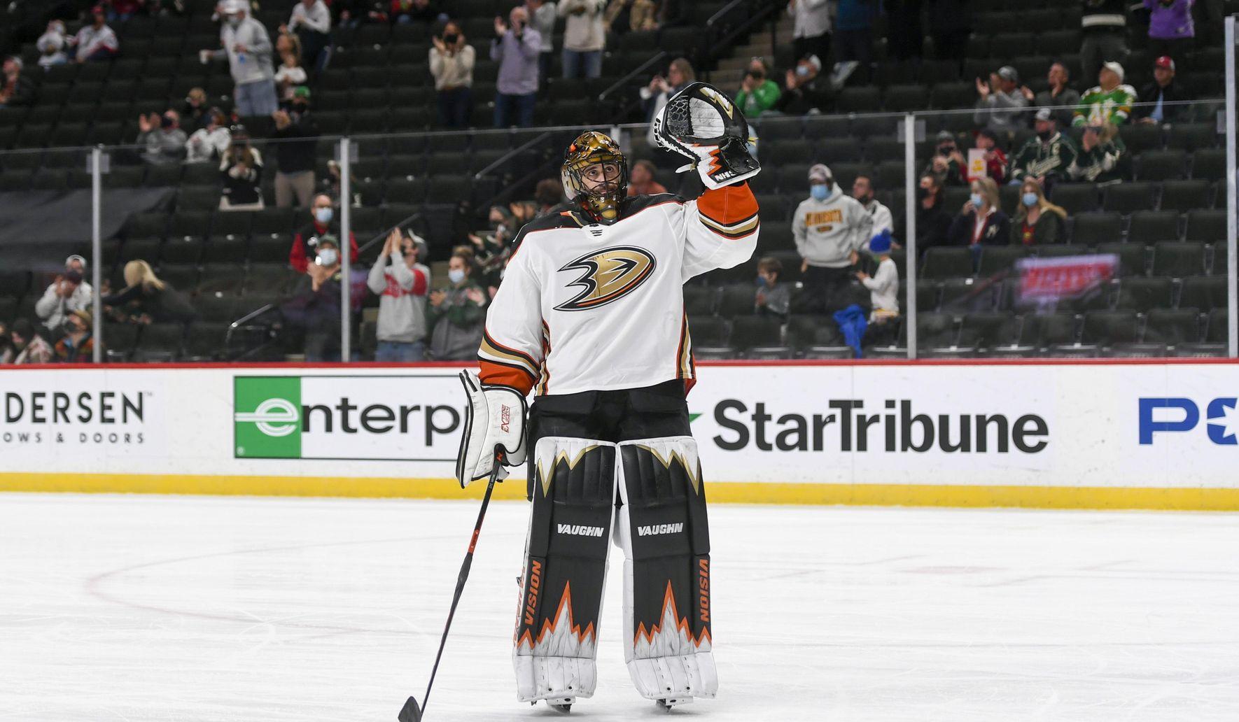 Ducks_wild_hockey_61598_c0-180-4311-2693_s1770x1032