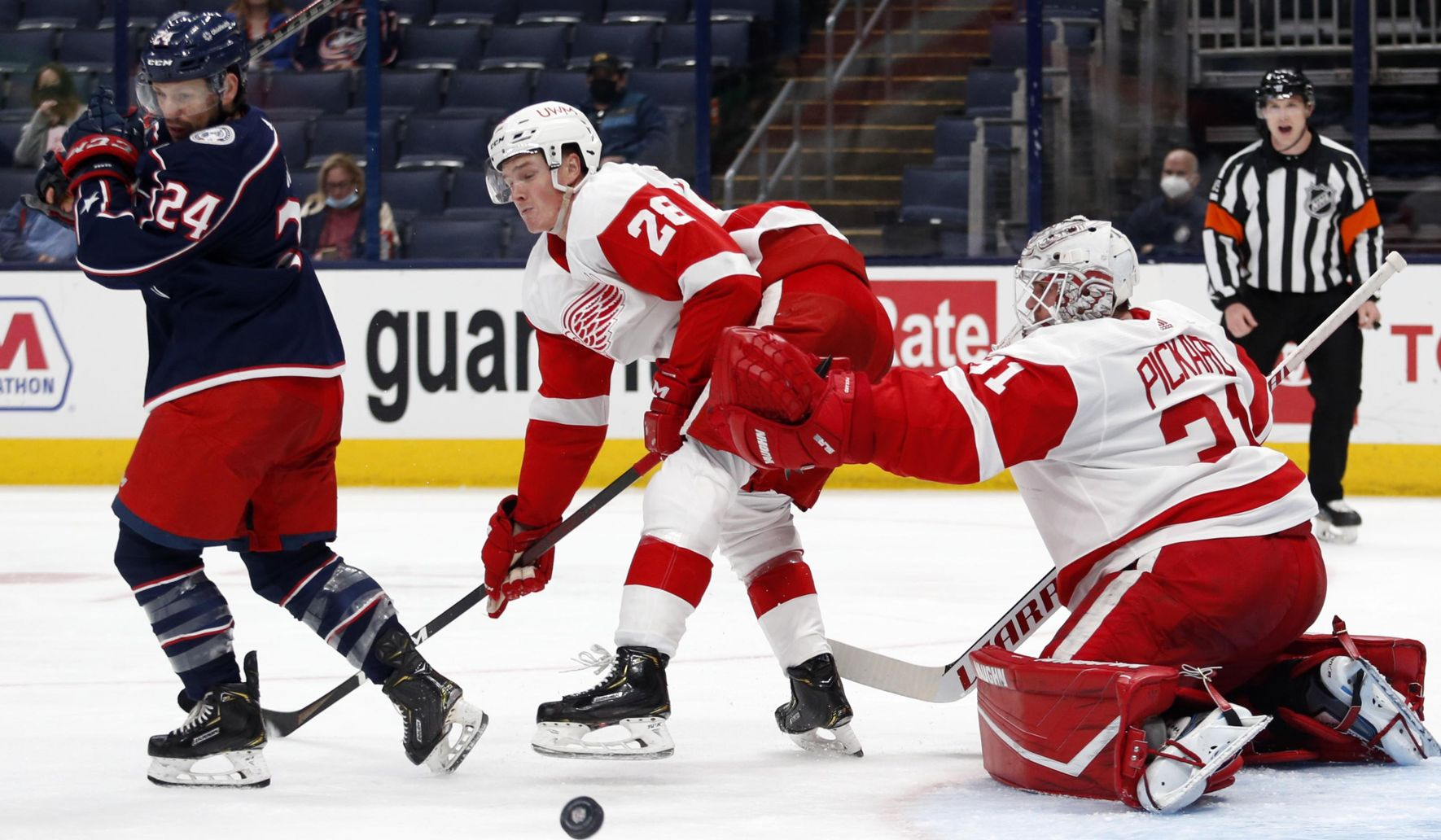 Red_wings_blue_jackets_hockey_82898_c0-147-3208-2017_s1770x1032