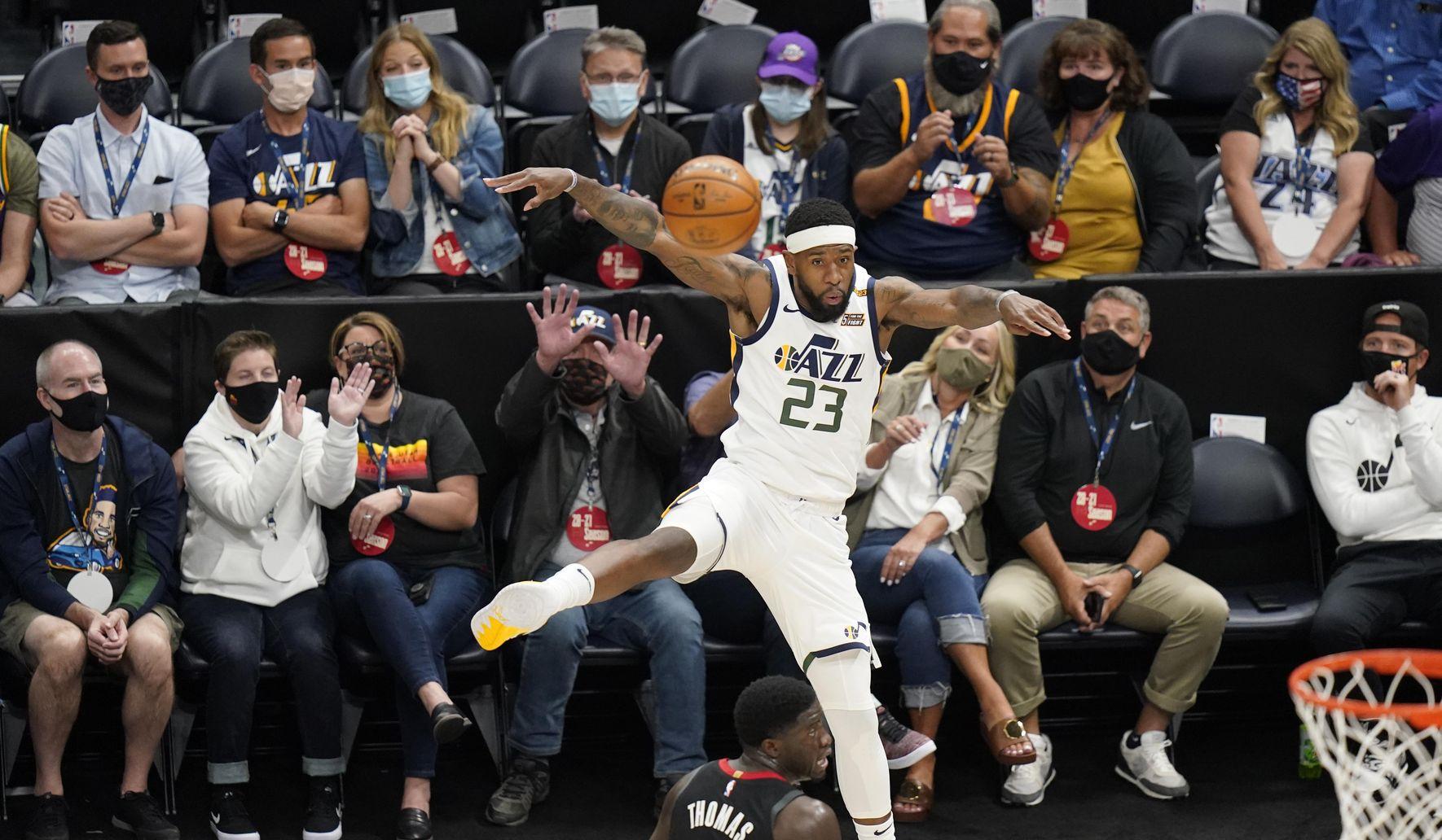 Rockets_jazz_basketball_44253_c95-0-5305-3038_s1770x1032