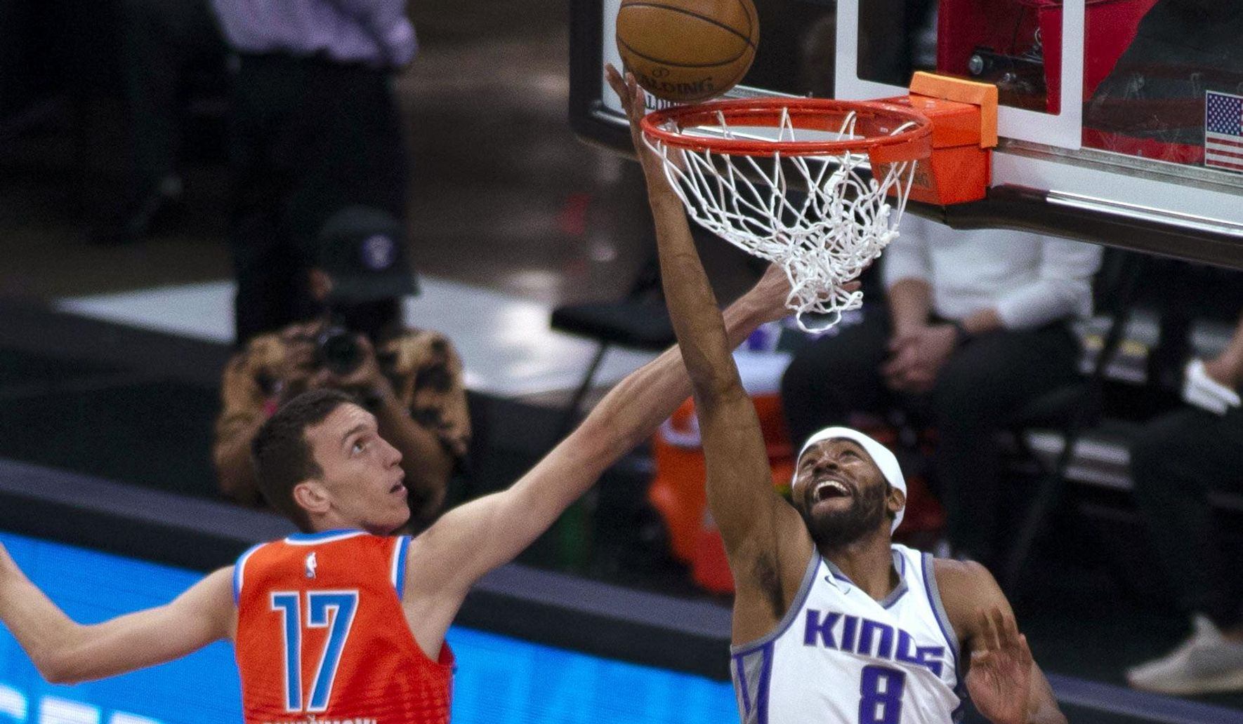 Thunder_kings_basketball_17185_c0-68-1645-1027_s1770x1032