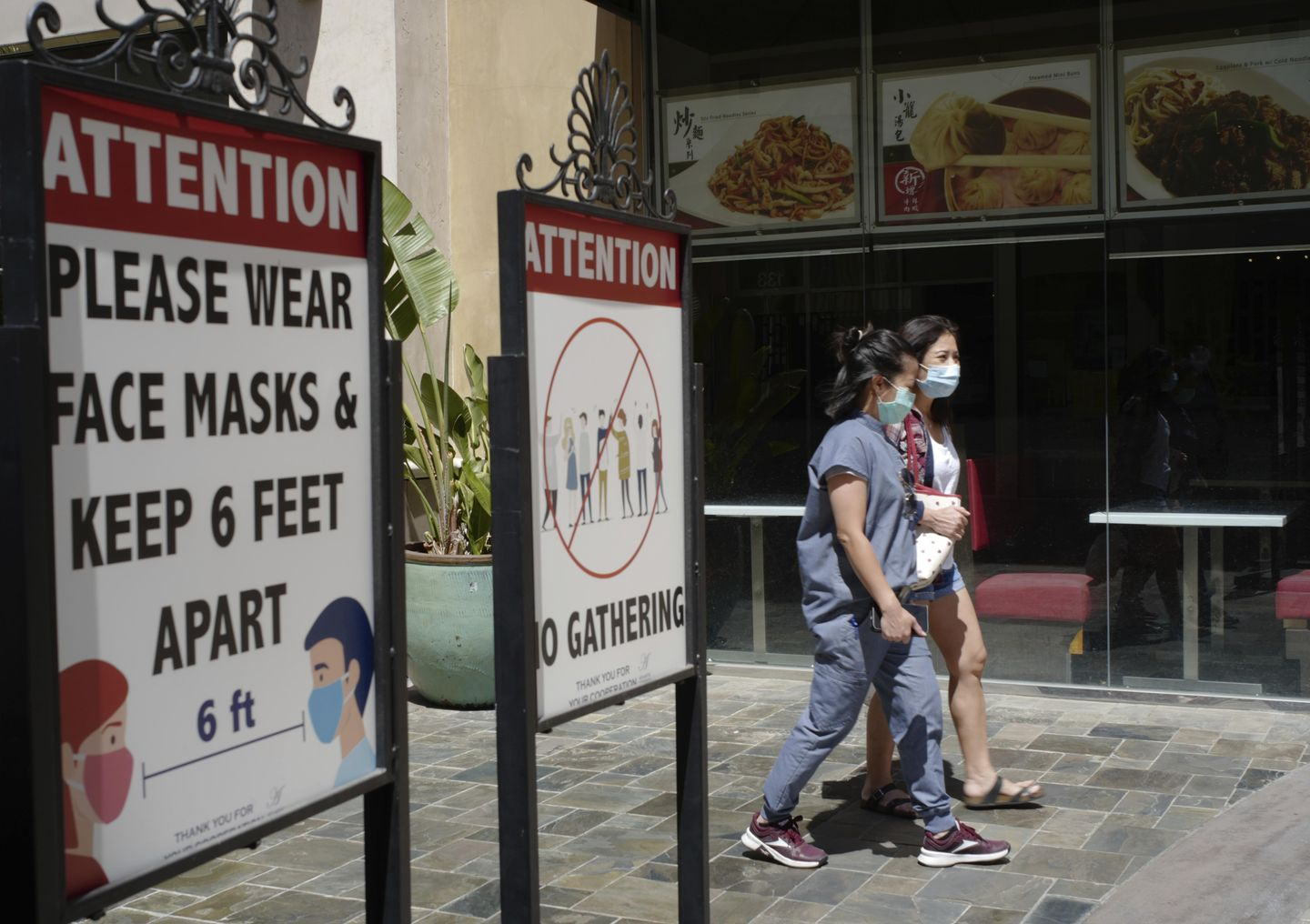 Los Angeles County restores indoor mask mandate for all