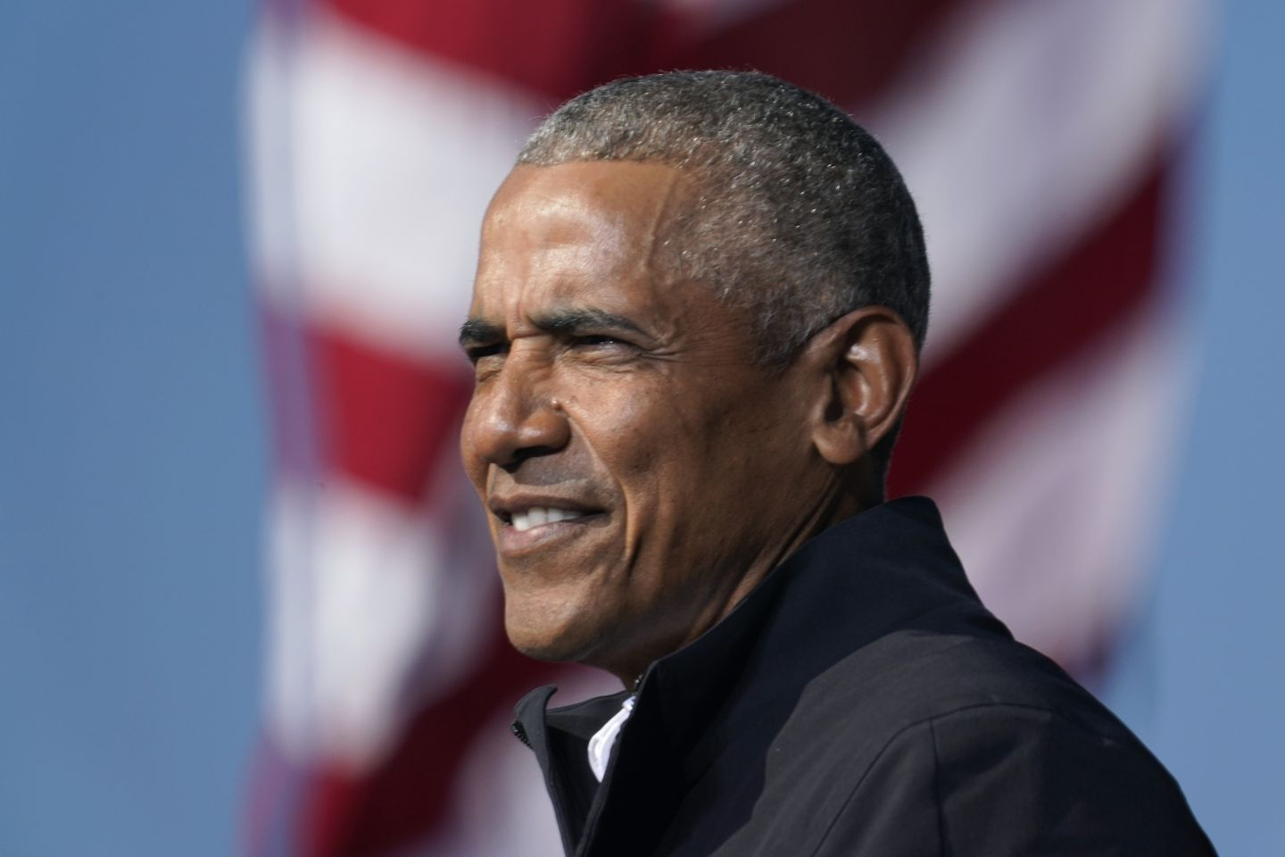 Obama critics blame former president for new COVID-19 cases on Martha's Vineyard following party thumbnail