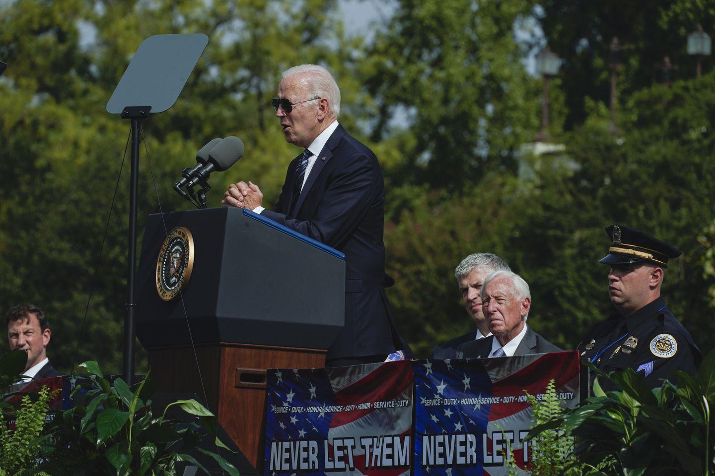 Biden aims to connect with police through personal tragedy